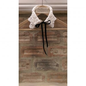 Charlie White Lace Starched Collar